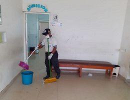 El HRJT apoyó en la limpieza y desinfección ante colapso  de desagüe en el puesto de salud Gerardo Villegas